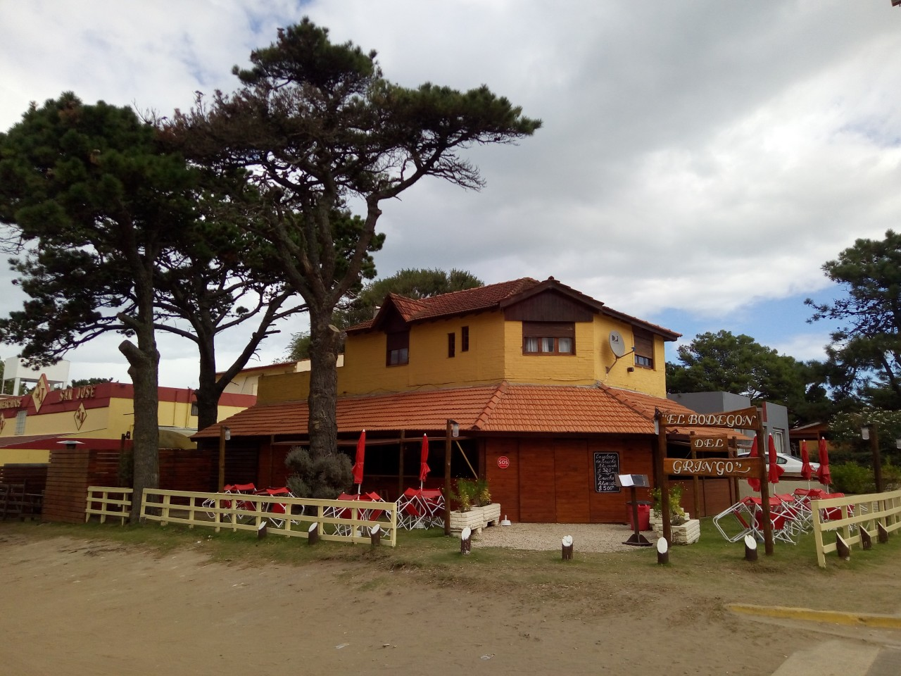 LOCAL GASTRONOMICO TOTALMENTE EQUIPADO PARA TRABAJAR (PINAMAR - VALERIA DEL MAR) EXCELENTE UBICACION